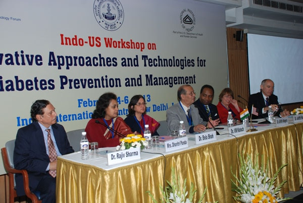 Representatives from the Indian and U.S. governments