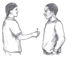 Imagen de un hombre que le entrega una inyección con droga a otro hombre.