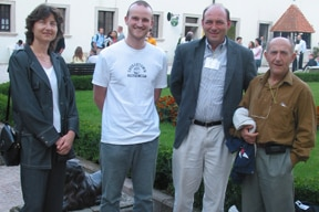 Photo of Andrei Nikolaev, Leon Backinowsky and Paul meeting at the 20th International Carbohydrate Symposium